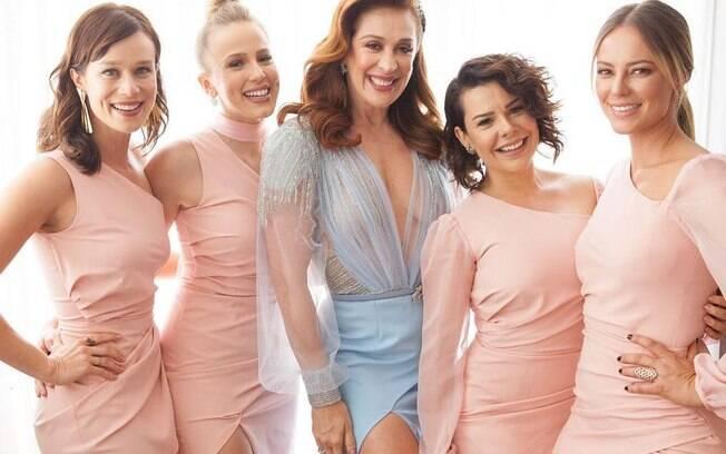 As atrizes, Mariana Ximenes, Marcella Rica Paolla Oliveira e Fernanda Souza foram daminhas de honra no casamento de Claudia Raia