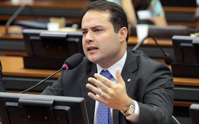 Renan Filho (MDB) é reeleito governador de Alagoas com 77,7% dos votos válidos no 1º turno