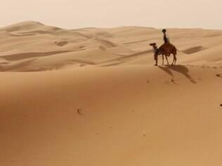 Com a ajuda do animal, foram capturadas imagens de fazendas e tendas de beduínos.