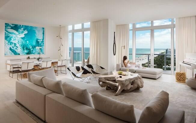 A PH3 do W South Beach é a maior das suítes de luxo da lista, com 200 m2 e dois andares de muita exclusividade