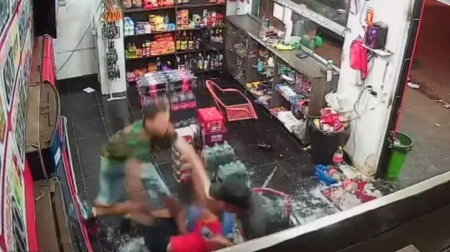 Homem é esfaqueado após se recusar a passar R$ 0,50 no cartão em Goiânia