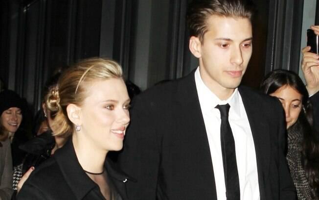 Scarlett Johansson preferiu o irmão Hunter do que o novo namorado