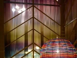 Chique. Luminárias e almofadas da Missoni traduzem atmosfera mágica