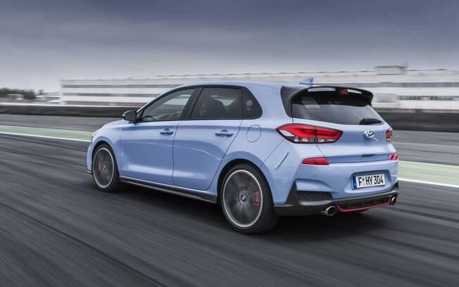 Hyundai i30 N: hatch como fome de asfalto promete desbancar o VW Golf GTI, seu maior rival no mercado