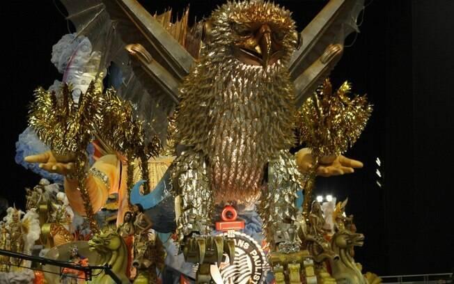 Gaviões da Fiel, em foto do desfile de 2011, vai homenagear Lula em 2012