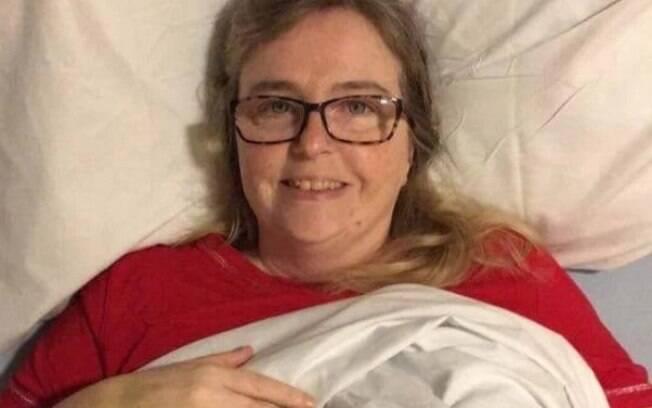 Sharon após retirada do tumor