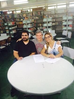 Valesca Popozuda com o professor, Antônio, e o apresentador Serginho Groisman
