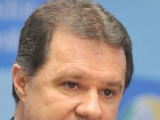 POLITICA - Brasília - O ministro da Previdência Social, Carlos Eduardo Gabas , divulga os números relativos à arrecadação e aos gastos com aposentadorias e benefícios FOTO: Valter Campanato/ABr - 02/06/2010
