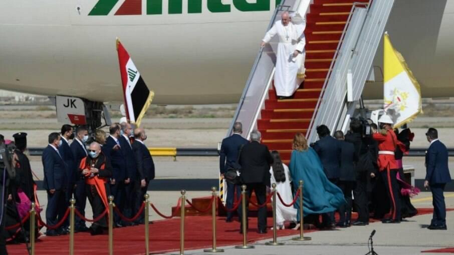Pontífice desembarcou em solo iraquiano na manhã desta sexta-feira (5)
