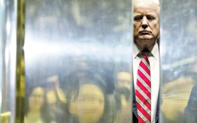 O decreto que alterou as normais imigratórias nos Estados Unidos foi assinado na sexta-feira passada por Donald Trump