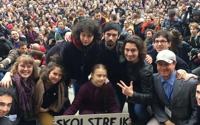 Greta foi acompanhada por cerca de 15 mil jovens em protesto