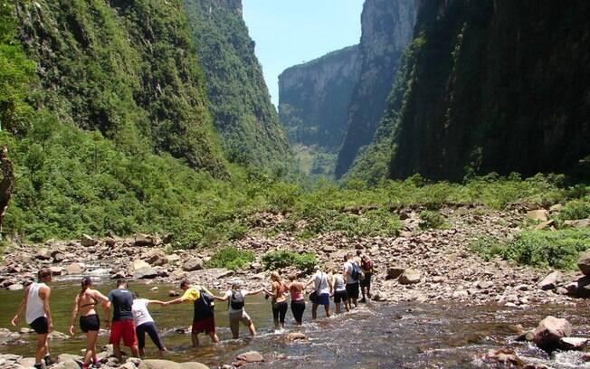 Nos arredores do canion Itaimbezinho, em Cambará do Sul, há duas trilhas fáceis e uma mais difícil, que deve ser acompanhada por um profissional. Foto: Divulgação