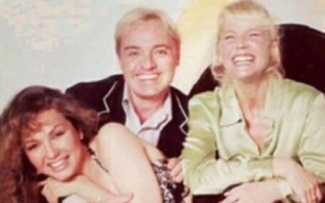 Gugu tem postado diversas fotos antigas em seu Instagram: ' Recebi esta foto com a Xuxa e a Thalia. Legal relembrar', escreveu o apresentador