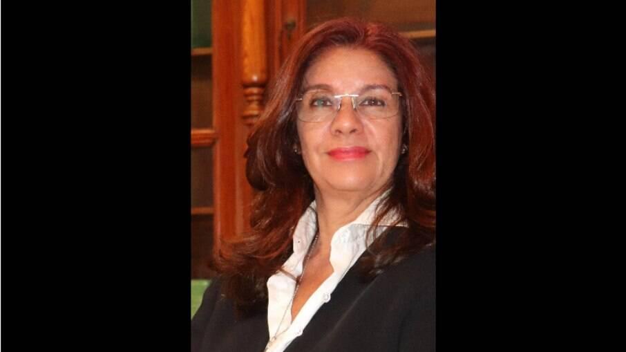 Advogada Luciana Gouvêa