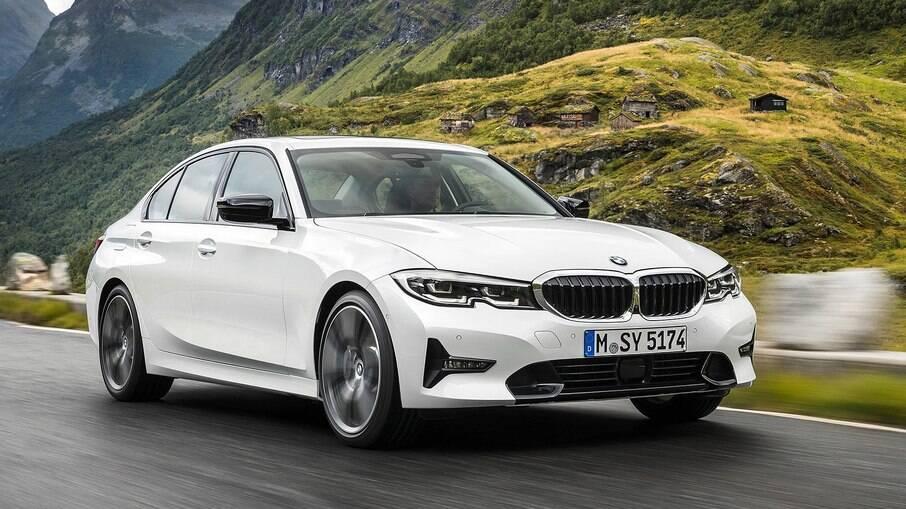 BMW Série 3 ganha motor flex nas versões 320i