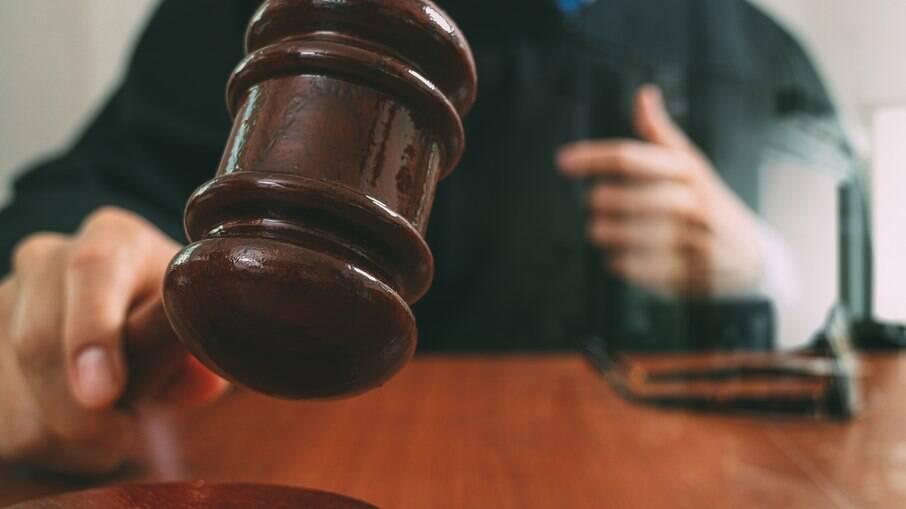 Vítima irá receber de R$ 7 mil após ser ofensas racistas