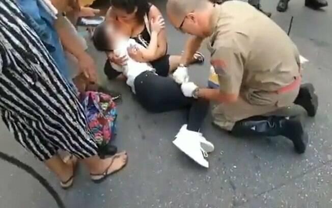 Mulher foi socorrida pelo Corpo de Bombeiros
