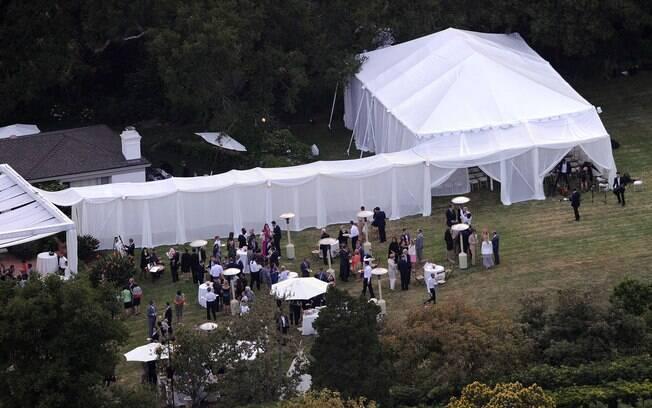 Foto aérea da casa de Drew Barrymore, onde foi realizada a cerimônia
