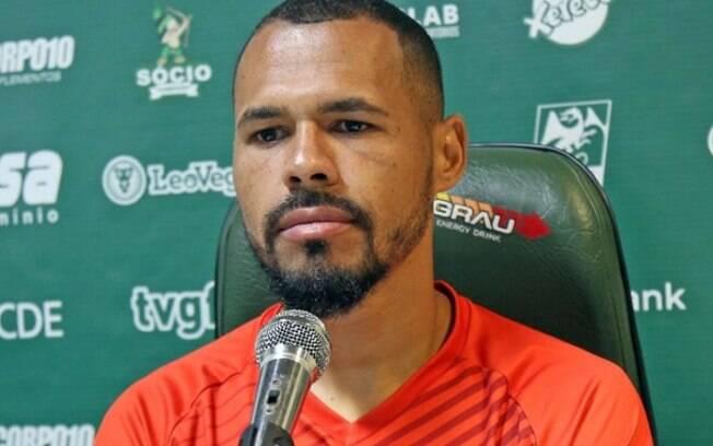 Bruno Silva destaca período de treinos do Guarani