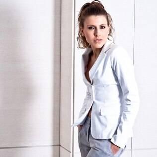 Juliana D'Agostini é pianista e modelo, e vê preconceito nas duas áreas