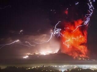 Vulcão entrou em erupção no Chile na última quarta-feira (22)