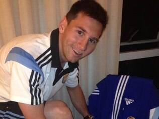 Messi ganhou uma chuteira colorida de presente de um dos seus patrocinadores