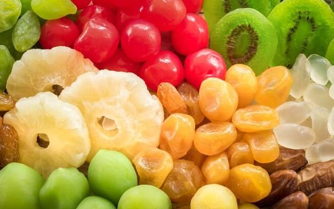 As frutas desidratadas contribuem com o pleno funcionamento do intestino e são boas opções de lanches no dia a dia
