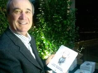 Levir Culpi recebeu amigos no lançamento de seu livro