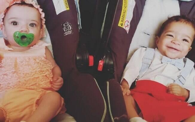 Malachi e Malasya, filhos de Sarah Jones, têm tons de pele diferentes, apesar de serem gêmeos e chamam atenção