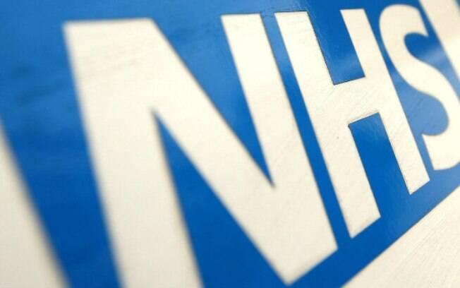 O NHS (National Health Service) é o sistema público de saúde do Reino Unido
