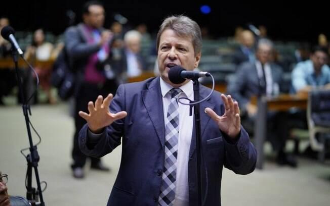 Deputado Bibo Nunes quer impedir que políticos condenados mantenham direitos
