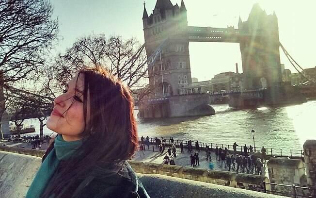 A primeira grande viagem de Camila foi para Inglaterra