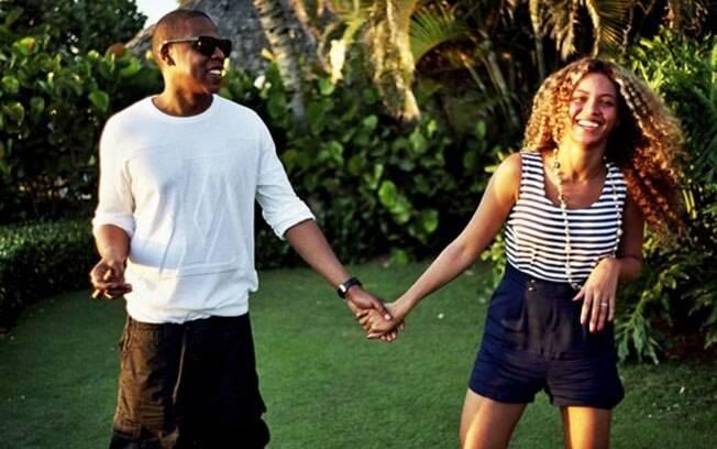 Beyoncé e Jay-Z em foto publicada no novo site da cantora: renovação de votos matrimoniais