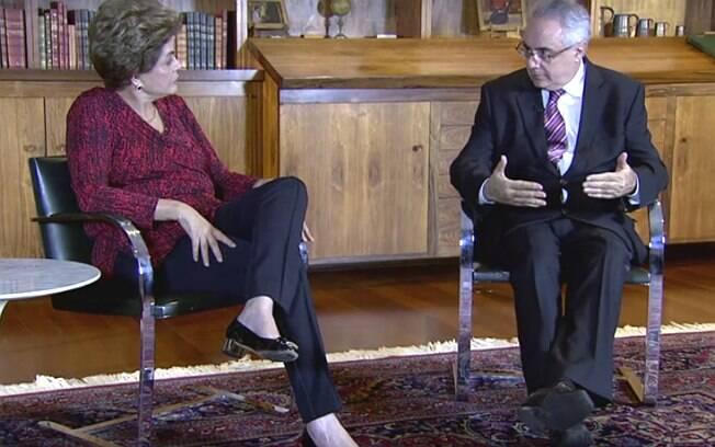 Em entrevista à TV Brasil, Dilma Rousseff defendeu um plebiscito para decidir sobre novas eleições