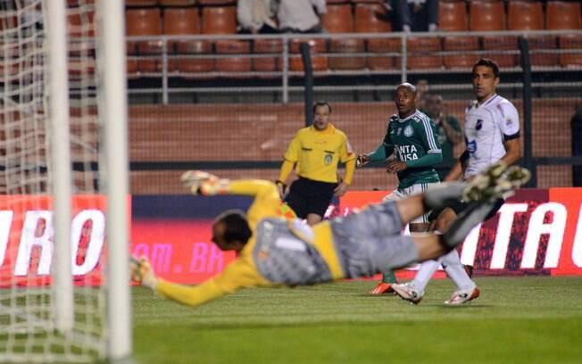 No Pacaembu, Luis Felipe marcou na goleada  por 4 a 1 sobre o ABC, pela oitava rodada