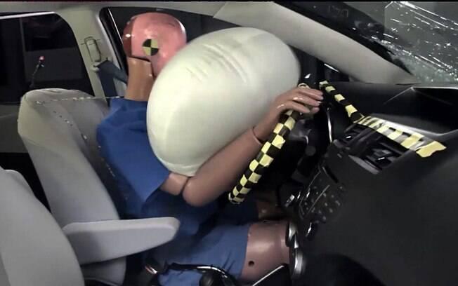 Se não foi usado e o painel não acusar algum problema, o airbag pode durar por muitos e muitos anos.