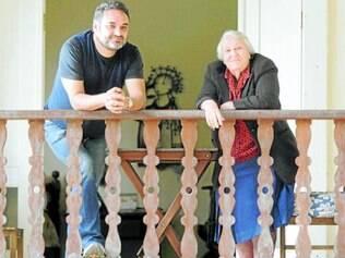 História.   O coordenador de vendas Rômulo Sat'André e a fundadora do Salão do Encontro, Dona Noemi Gontijo