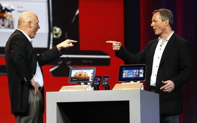 Paul Jacobs, CEO da Qualcomm, recebeu Steve Ballmer, CEO da Microsoft, em uma aparição