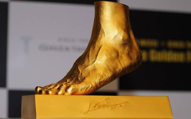 Pé de Messi vira ouro no Japão
