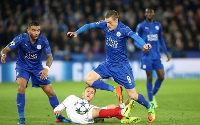 Jamie Vardy em ação com a camisa do Leicester pela Liga dos Campeões