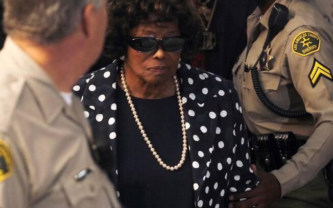 A mãe de Michal Jackson chegou para o julgamento