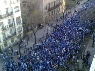 Torcida do Schalke deu uma bela demonstração de amor pelo time nesta terça-feira