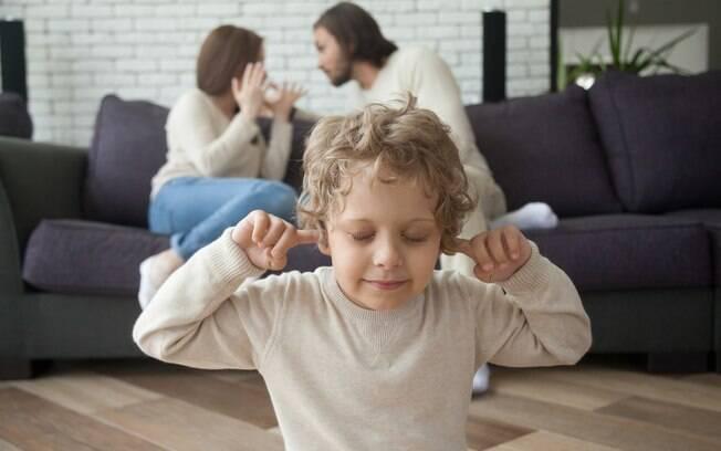 A guarda compartilhada em nada ajuda se os pais da criança continuarem brigando o tempo todo, explica psicóloga
