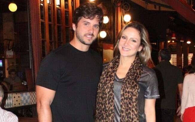 Claudia Leitte e Márcio Pedreira jantam juntos no Rio
