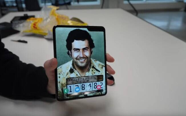 Plano de fundo padrão é uma foto de Pablo Escobar