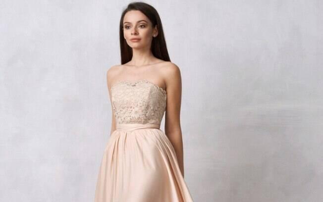 O vestido de casamento nude, segundo o estilista, é o novo