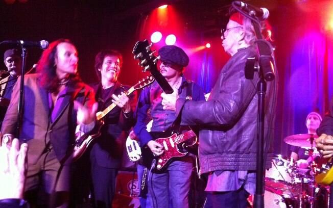 Johnny Depp e Keith Richards dividiram o palco do Hiro Ballroom, em Nova York