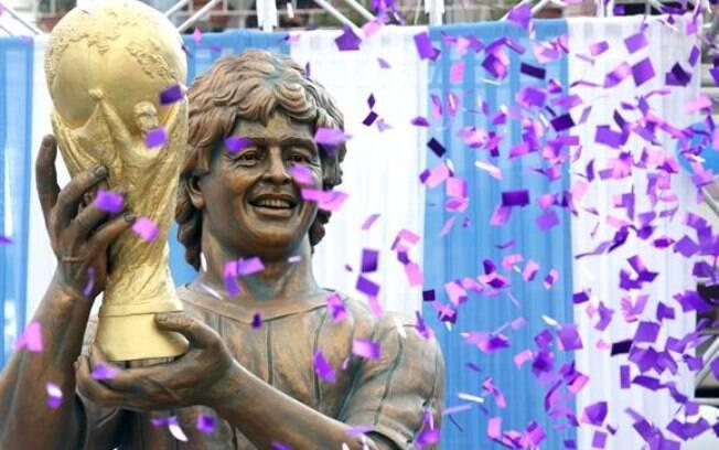 Maradona ganhou homenagem na Índia: uma estátua de 4 metros de altura