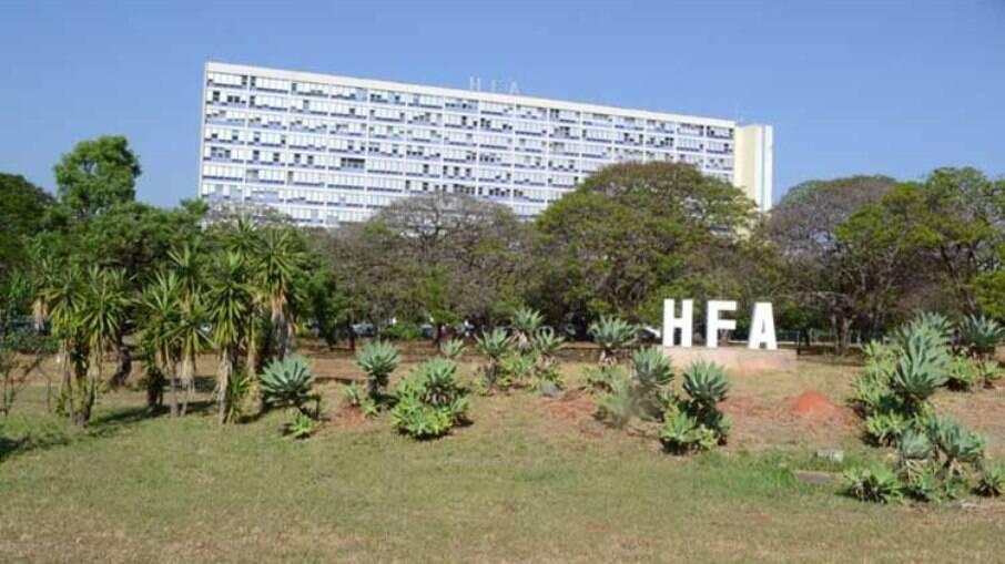 Hospital das Forças Armadas contrata contêiner após ocupação na UTI atingir 90%
