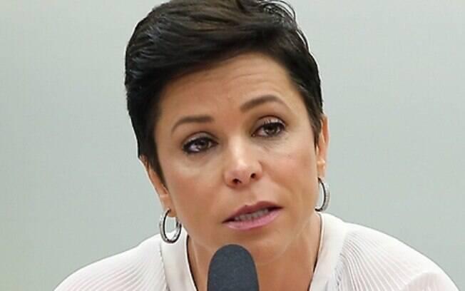 """Cristiane Brasil escreveu ao ex-ministro do Trabalho: """"Olha esse vagabundo mostrando pra que veio"""", sobre Fachin"""